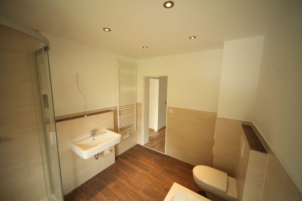 haus 4 bad bild 4 sanieren in ingolstadt bossmann gmbh. Black Bedroom Furniture Sets. Home Design Ideas