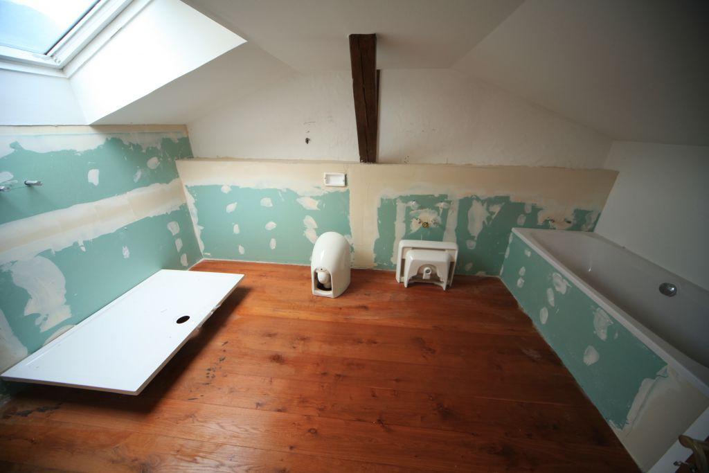 wohnung 1 badezimmer bild 1 sanieren in ingolstadt. Black Bedroom Furniture Sets. Home Design Ideas