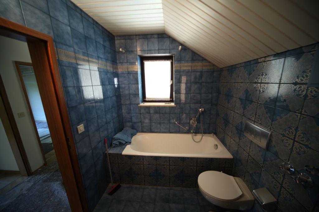 haus 2 baddg bild 1 sanieren in ingolstadt bossmann gmbh. Black Bedroom Furniture Sets. Home Design Ideas