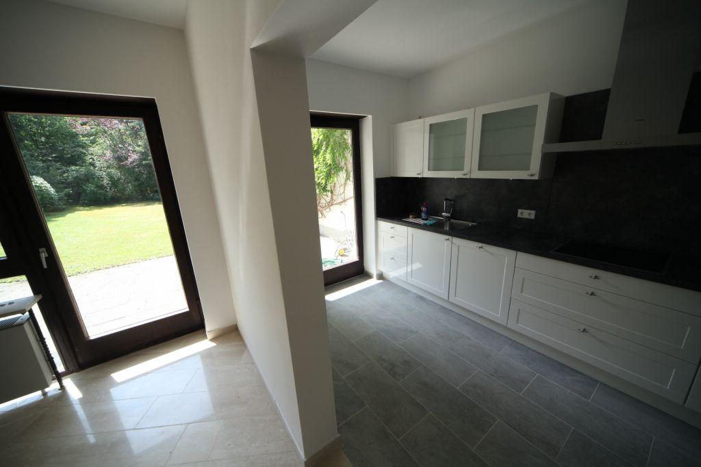haus 2 esszimmer bild 2 sanieren in ingolstadt bossmann gmbh. Black Bedroom Furniture Sets. Home Design Ideas