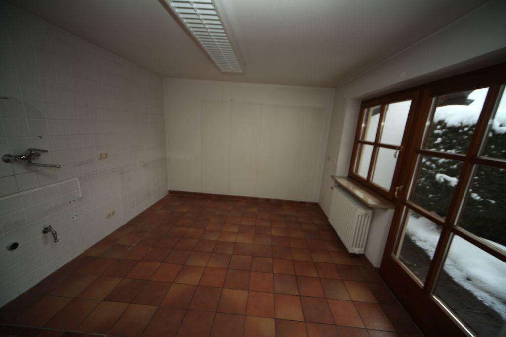 haus 1 k che bild 5 sanieren in ingolstadt bossmann gmbh. Black Bedroom Furniture Sets. Home Design Ideas