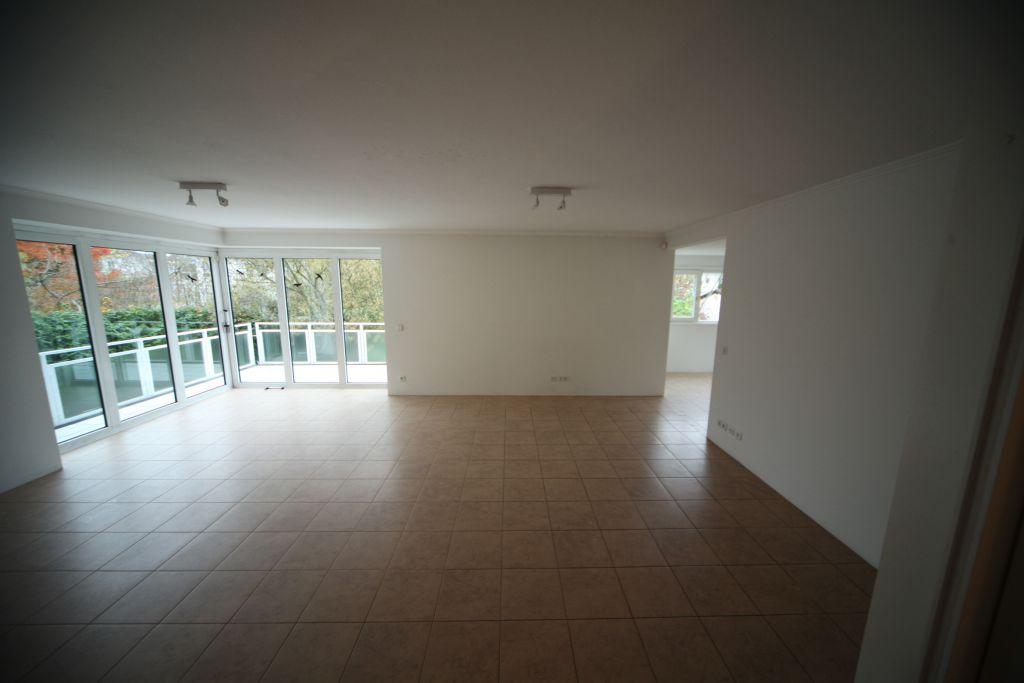 haus 3 wohnzimmer1og bild 1 sanieren in ingolstadt bossmann gmbh. Black Bedroom Furniture Sets. Home Design Ideas
