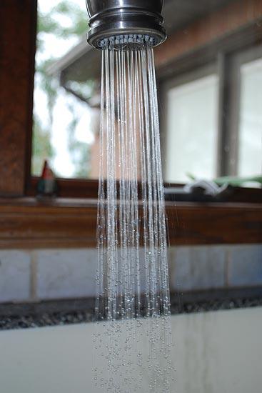 Wasserhahn in Küche installieren lassen
